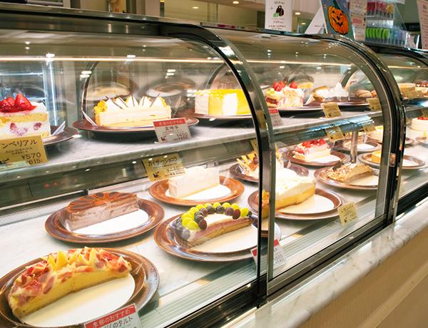 カナール相模大野店 ケーキケース